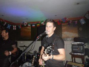 Booster Gig Guitar